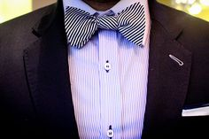 how to tie bowtie Half Windsor, Windsor Knot, Tie Knot Styles, Eldredge Knot, Black Bow Tie, Fashion Beauty, Mens Fashion, Blog Images, Formal Looks