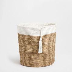 zara Home Accessories Sisal, Bamboo Basket, Wicker Baskets, Home Decor Trends, Diy Home Decor, Zara Home Accessories, Zara Home Canada, Estilo Tropical, Basket Decoration
