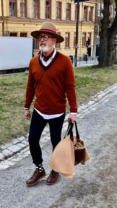 Men's Fashion – How to Nail Office wear – Designer Fashion Tips Best Dressed Man, Sharp Dressed Man, Stylish Men, Men Casual, Ivy League Style, Dapper Men, Vogue, Men Style Tips, Men Looks