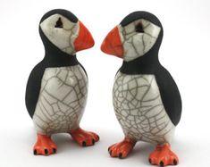 Staande papegaaiduiker - kleine - keramische raku gestookt beeld