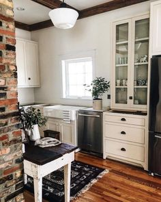 in love with this small kitchen