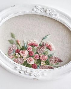 Wonderful Ribbon Embroidery Flowers by Hand Ideas. Enchanting Ribbon Embroidery Flowers by Hand Ideas. Brazilian Embroidery Stitches, Types Of Embroidery, Learn Embroidery, Rose Embroidery, Silk Ribbon Embroidery, Cross Stitch Embroidery, Embroidery Patterns, Hardanger Embroidery, Needlework