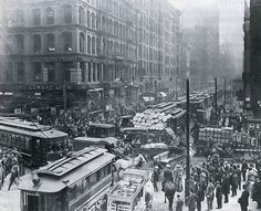 CHICAGO RUSH HOUR, 1909  Photograph via brad153 on Reddit  Proof that traffic sucks no matter what era you're in. At least in today's traffic we have smartphones and the Internet! Comments suggest this is the intersection of Dearborn and Randolph in downtown Chicago.  via brad153 on Reddit     [...]