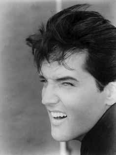 Elvis (for my mother) BUT am I the only one who thinks that this looks a lot like Adam Lambert???
