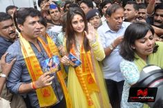 Kareena Kapoor and Madhur Bhandarkar at Heroine Music launch. More pictures at http://www.nowrunning.com/event/bollywood/heroine-music-launch/55895/gallery.htm