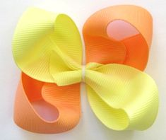 How To Make Boutique Hair Bow--Example Tone HairBow : Hip Girl Boutique - Ribbons Hair Bows Hair Clips Hairbow Hardware Free Hairbow Instructions Making Hair Bows, Diy Hair Bows, Diy Bow, Bow Making, Barrettes, Hairbows, Hair Bow Tutorial, Flower Tutorial, Ribbon Sculpture