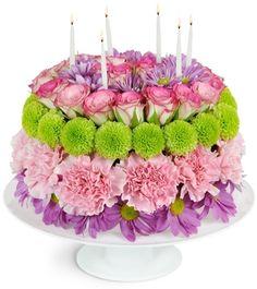 New Birthday Cake Flower Arrangement Centerpieces Ideas - Birthday Cake Flower Ideen New Birthday Cake, Birthday Cake With Flowers, Birthday Cake With Candles, Happy Birthday, Cake Flowers, Floral Cake, Arte Floral, Coworker Birthday Gifts, Birthday Cake Decorating