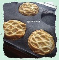 Des Empreintes ... dans ma Cuisine !!!: Tartelettes saumon, poireaux et échalotes