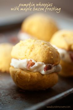 During Fall Season: The maple bacon frosting makes these pumpkin whoopie pies OUTRAGEOUS! Creamy, tangy maple cream frosting filled with salty, crispy bacon and sandwiched between two soft, cake-y whoopee pies! Köstliche Desserts, Delicious Desserts, Dessert Recipes, Yummy Food, Pumpkin Recipes, Fall Recipes, Cookie Recipes, Pumpkin Whoopie Pies, Maple Bacon