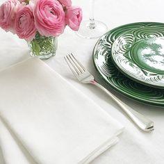 Japanese ceramic dinner plate. Green colour. 24cm Japanese Dinner, Eye Pattern, Japanese Ceramics, Linen Napkins, Ceramic Plates, Dinner Plates, Green Colors, Colour, Tableware