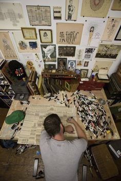 Studio Space For Artists And Creatives. Inspiration Wall, Loads Of Pens,  And A Great Table.