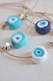 Bracelets for Christening Witness Pins made of polymer clay - eye beads Greek Blue, Baby Boy Christening, Baptism Candle, Happy Hippie, Diy Keychain, Evil Eye Charm, Baby Shower, Air Dry Clay, Cold Porcelain