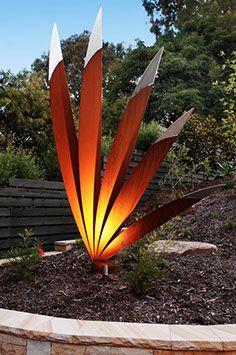 The Blade, Lump sculpture