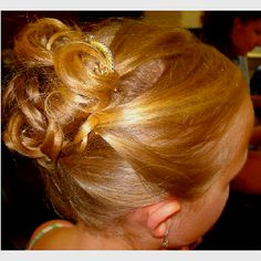 Little girl wedding hair style