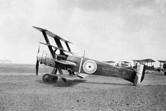SERVICE R J H HUNT ROYAL NAVAL AIR SERVICE ROYAL AIR FORCE 1915-1918 (HU 86903)   Armstrong Whitworth FK.10 Quadruplane (serial number not displayed, but probably N514), powered by a 130-hp Clerget engine, on the ground while under test at Manston.