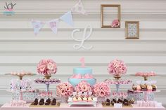 Primeiro ano da Lara {Shabby Chic} - Joy in the box Girls Party Decorations, Candy Table, Dessert Table, Baby Party, Shabby Chic Decor, Chic Wedding, Holidays And Events, First Birthdays, Birthday Parties