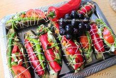Karnıyarık patlıcan turşusu tarifi Eggplant Dishes, Winter Food, Food Pictures, Pickles, Sushi, Recipies, Salsa, Food And Drink, Yummy Food