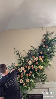 Hanging Wedding Decorations, Backdrop Decorations, Flower Decorations, Deco Floral, Floral Design, Floral Wedding, Wedding Flowers, Flower Installation, Creation Deco