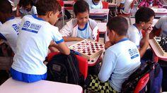 Blog do Inayá: Alunos da Professora Neide Crepaldi exercitam sua inteligência com jogos de tabuleiro