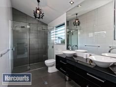 Black and white ensuite.