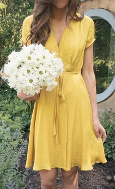 yellow dress for summer! summer outfits, summer outfits women, yellow dress, yellow dress outfit, yellow dress summer PINTEREST: @eva_darling