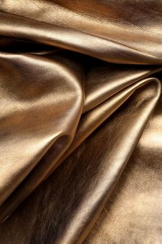 Black And Gold Aesthetic, Brown Aesthetic, Aesthetic Colors, Aesthetic Pictures, Silk Wallpaper, Phone Screen Wallpaper, Calming Images, Sparkles Background, Wall Collage