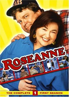 Oct 18 - in 1988 Roseanne a TV sitcom about a blue-collar American family starring the comedienne Roseanne Barr premiered on ABC. Roseanne Barr, Roseanne Show, Roseanne Sitcom, Roseanne Conner, Great Tv Shows, Old Tv Shows, Movies And Tv Shows, George Lopez, Movies