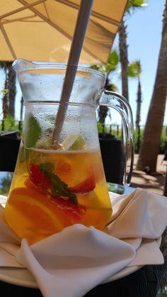 Vidamar Resort Algarve, Albufeira | Viaje Comigo Coffee Facts, Sushi Recipes, Poses For Photos, Instagram Story Ideas, Alcoholic Drinks, Cocktails, Finding Peace, Food Cravings, How To Run Longer