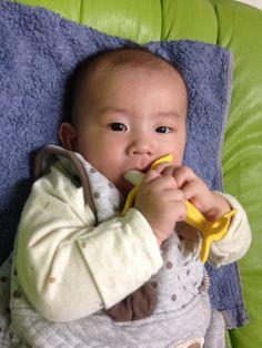 2014/04/06 (+130) 손가락대신 바나나 치발기! 엄마가 사고 싶어 발을 동동구르던 그것!
