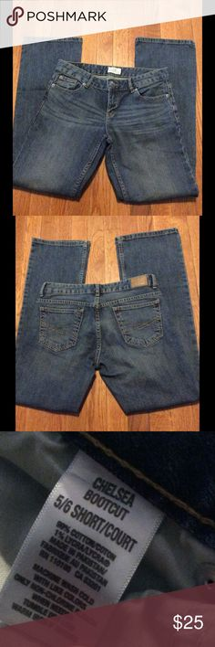 Aeropostale Chelsea Bootcut Jeans 5/6 Short Gently used, in good condition Aeropostale Jeans Boot Cut