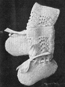 babies – Page 2 – vintageknits Barbie Knitting Patterns, Baby Booties Knitting Pattern, Knit Baby Booties, Knit Boots, Knit Patterns, Baby Knitting, Crochet Baby, Baby Bootees, Young Ones