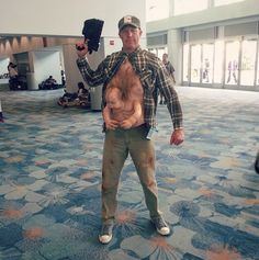 Pin for Later: 43 Insanely Creative Cosplays to Inspire You  Nineties film fans will appreciate this Total Recall Kuato cosplay.