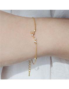 Wanderlust, Leo Zodiac Gold Bracelet