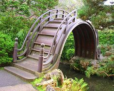 the drum bridge in golden gate park's japanese tea garden . how awesome would it be to have this in your backyard? The Places Youll Go, Places To Go, Japanese Tea House, Japanese Gardens, Japanese Park, Culture Art, Deco Nature, California Garden, Golden Gate Park