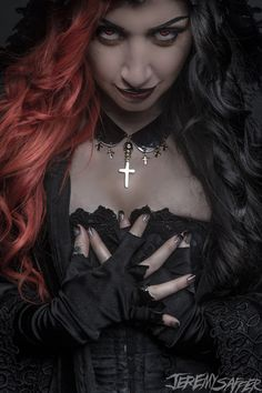 {Restarting the queen of hearts because I deactivated my old account} Hello I'm the queen of hearrs, I'm cruel. I don't like anyone getting in my way, so don't cross me