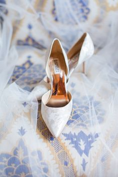 It doesn't take much to make an Omni William Penn Hotel wedding beautiful, and today's feature is proof. Don't miss this gorgeous wedding on Burgh Brides! Badgley Mischka Shoes Wedding, William Penn, Bridal Heels, Hotel Wedding, Wedding Looks, Bridal Portraits, Wedding Attire, Wedding Inspiration, Wedding Ideas