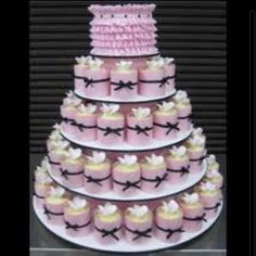 Wow-love everything about this cupcake wedding cake