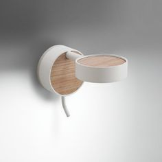 Structure powder coated brass /decorative laminate. Lamp included. L 13 cm Shade: Ø 6.5 cm x H 2 cm Foot: Ø 6.5 cm x H 2 cm
