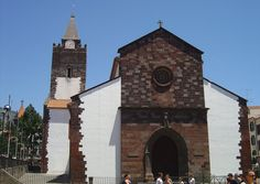 The Cathedral of Our Lady of the Assumption in Sé, Funchal, Madeira, Portugal is thecathedral of the Roman Catholic Diocese of Funchal, which encompasses all of the Autonomous Region of Madeira. Funchal Madeira, Catholic Diocese, Colonial Architecture, Roman Catholic, Archipelago, Trip Planning, Barcelona Cathedral, City, Building