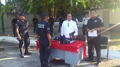 #Oaxaca #Noticias: Dotan de uniformes a la policía auxiliar, bancaria...