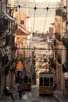 Elevador da Bica, Lisboa ©Luis Novo
