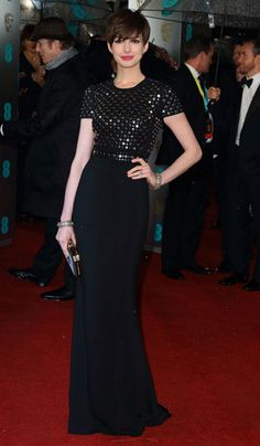 Anne Hathaway in Burberry at 2013 EE BAFTA Awards