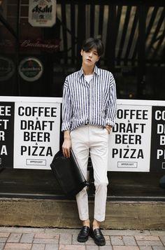 Taek-Jae-Jin biased korean street style men fashion korean fashion แ ล ะ ko Asian Men Fashion, Foto Fashion, Korean Fashion Trends, Korean Street Fashion, Korea Fashion, Kpop Fashion, Trendy Fashion, Mens Fashion, Fashion Ideas