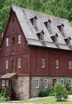 Six Window Loft Barn...I would SO live here