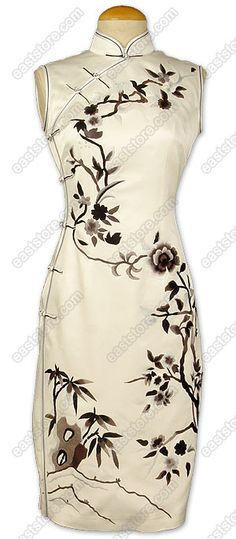 Junoesque Chinese Monochrome Floral Embroidered Silk Cheongsam - - http://www.asia-fashion.de/qipao/    -    http://www.folkwear.com/122-ChngsmBiaBnd%20instrgds.pdf