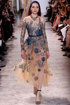 Elie Saab Haute Couture - Pasarela | Galería de fotos 9 de 59 | VOGUE