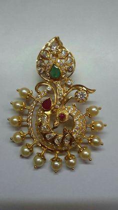 Gold Jhumka Earrings, Jewelry Design Earrings, Gold Earrings Designs, Gold Jewellery Design, Pendant Jewelry, Gold Pendent, Gold Jewelry Simple, Wedding Jewelry, Antique Jewelry