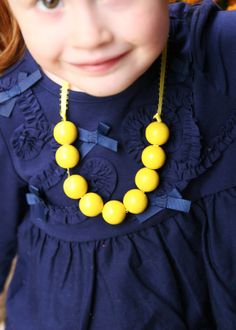 homemade ginger: TUTORIAL: DIY Girl's Wooden Bead Necklace