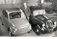 L'ingegnere Dante Giacosa tra i due modelli di automobili che lo hanno reso celebre, la Topolino e la Nuova 500.