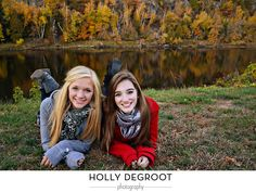best friend photo shoot (or sister) Sister Pictures, Best Friend Pictures, Friend Photos, Senior Pictures, Sister Pics, Fall Pictures, Best Friends Shoot, Best Friend Poses, Sister Photography